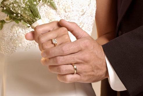 لماذا يتزوج الرجل ؟ 1249431592marriage-today-af.jpg